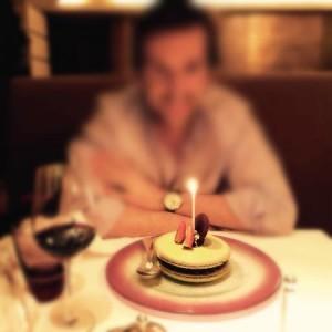 celebrar-cumpleanos-en-restaurante03